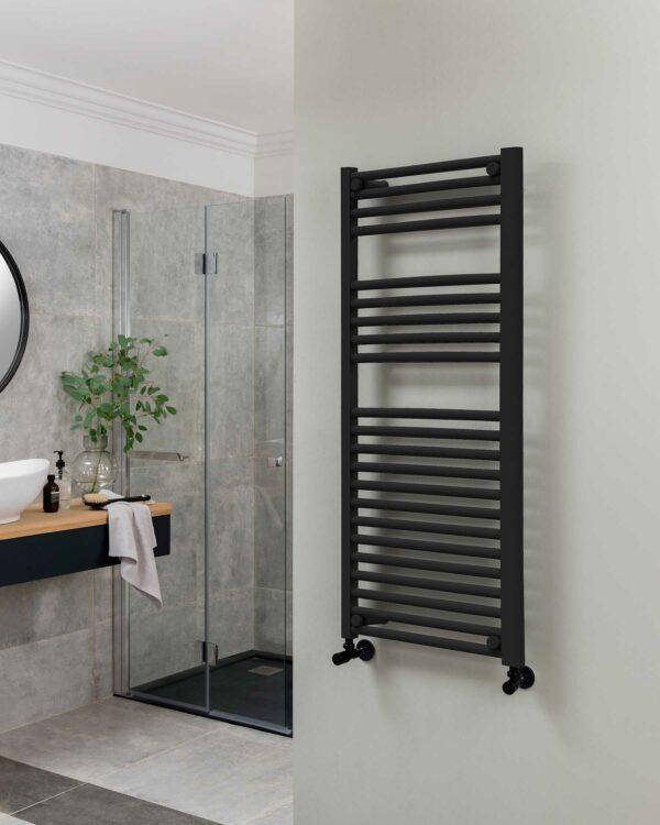 Vogue Focus towel radiator, matt black